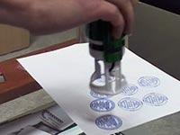 Надо ли ставить печать в трудовой книжке при приеме на работу?